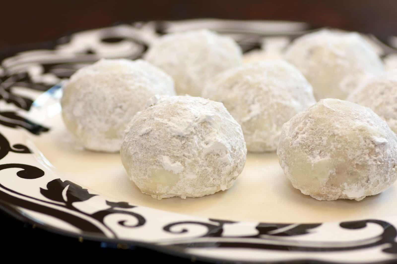 Simple spanish cookies recipes food cookie recipes for Traditional mexican wedding cookies