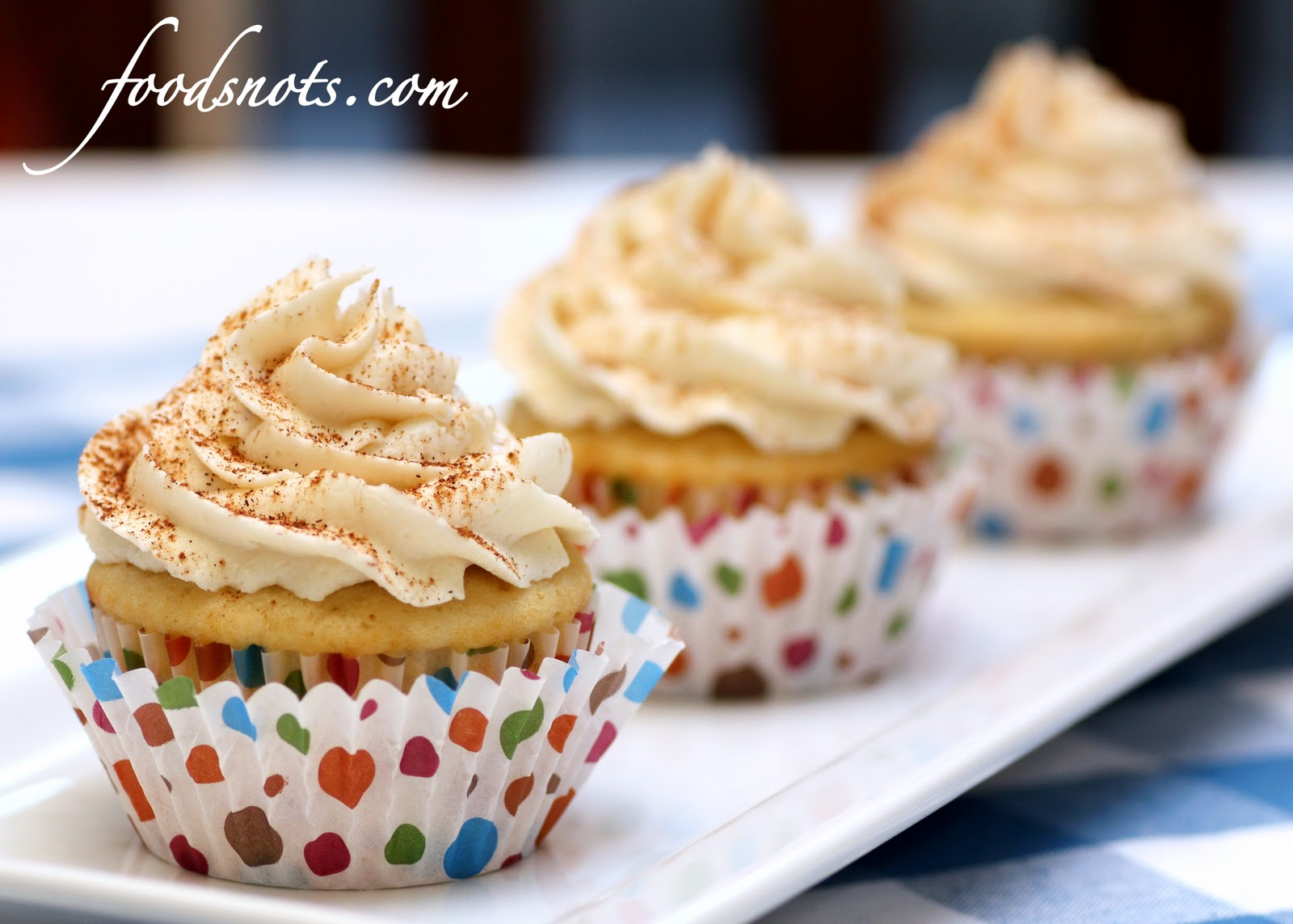 Caramel Cake Cupcakes with Caramel Spice Frosting - Recipe Snobs