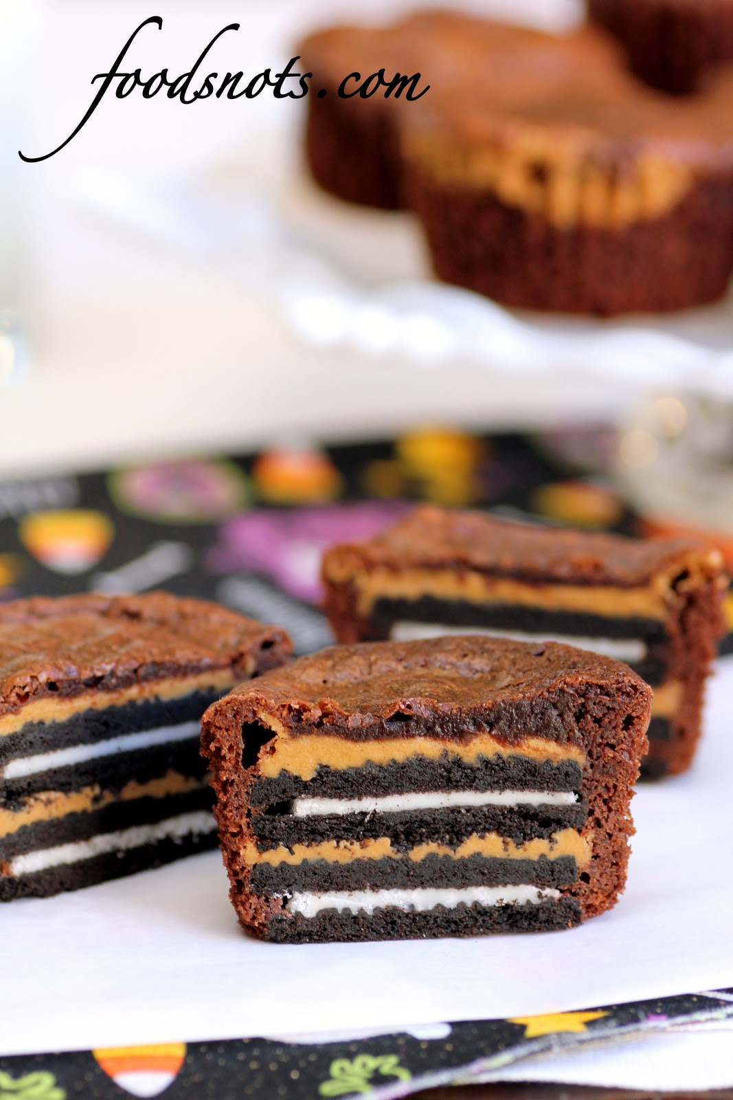 Oreo and Peanut Butter Brownie Cakes - Recipe Snobs